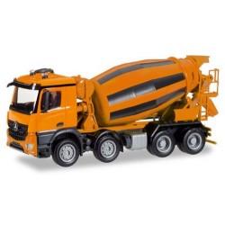 MB Arocs M camion 8x4 Toupie à béton