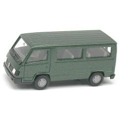 MB 100 D minibus relifté vert métallisé
