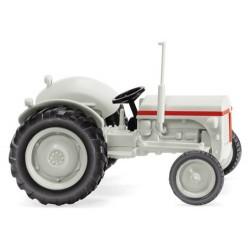 Tracteur agricole Massey-Ferguson TE blanc-gris de 1946