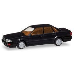 Audi V8 berlien 1988 noire avec plaques d'immatriculation
