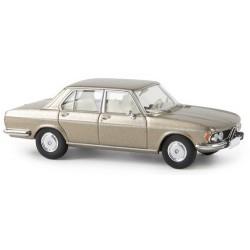 BMW 2500 berline (E3 - 1968) champagne métallisé