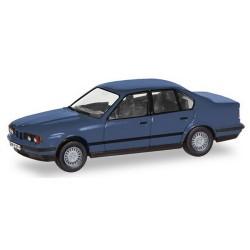 "BMW 5er Limousine (E34 - 1988) ""Herpa-H-Edition"" avec plaque d'immatriculation"