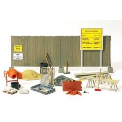 Set de chantier : bétonnière, outillages, matériaux, panneaux et palissades (en pièces détachées)