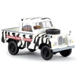 "land Rover Type 88 cabien tôlée version pick-up zébré ""Wameru Sub Dstrict"""