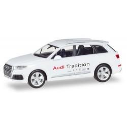 """Audi Q7 """"Audi Tradition"""" (service clientèle)"""