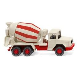 Magirus 160 D 15 A camion toupie à béton