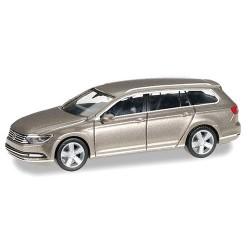 VW Passat Variant B8 (2014) champagne métallisée