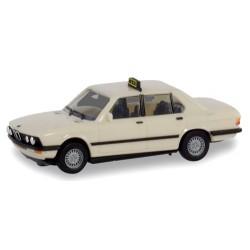 BMW 528 i berline (E28 - 1981) Taxi