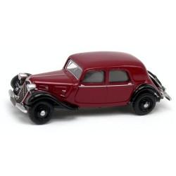 Citroen Traction berline 11A de 1935 rouge excelsior et noire