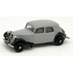 Citroen Traction berline 11A de 1935 grise claire et noire