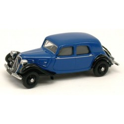 Citroen Traction berline 11A de 1935 bleu franc et noire