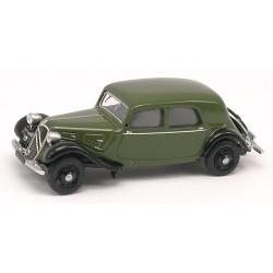 Citroen Traction berline 11A de 1935 vert olive et noire