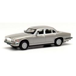 Jaguar XJ6 berline version '68 grise métallisée