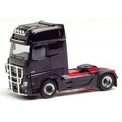 MB Actros Giga' 18 Tracteur solo noir avec rampes et pare-buflles chromés
