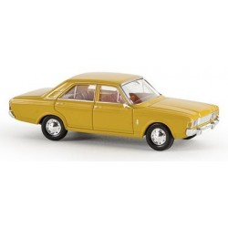 Ford Taunus 17 M berline (P7b) 1968 jaune orange