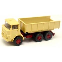 Henschel F 261 K (1975) camion benne beige clair