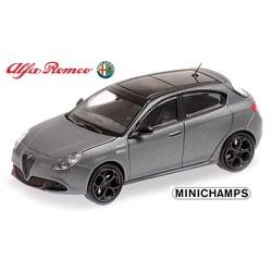 Alfa Romeo Gulietta Veloce (2017 ) gris mat métallisé
