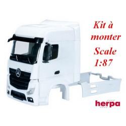 Set de 2 cabines blanches MB Actros Bigspace '11 carénées avec déflecteurs (grille séparée)- kit à monter