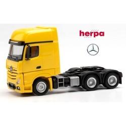 MB Actros Giga' 11 Tracteur solo 6x4 jaune