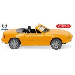 Mazda MX5 cabriolet ouvert(1989) jaune melon