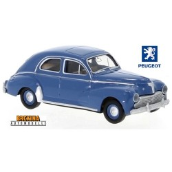 Peugeot 203 berline 1953 bleu distant