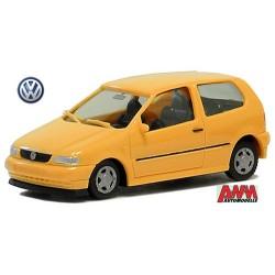 Volkswagen Polo III  berline 3 portes (1975) jaune melon
