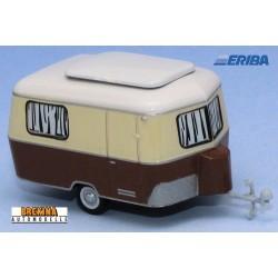 Caravane Eriba beige et brun en version route (1960)