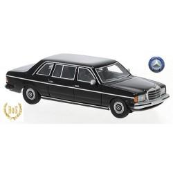 MB (W1123 - 1977) limousine 4 portes noire