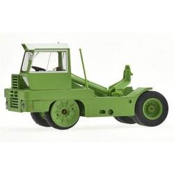 Tracteur Kangourou vert à toit blanc (Epoque IV) - n°223