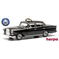 "MB 200 (W108 - 1965) berline 4 portes ""Heckflosse"" noire ""Taxi"""