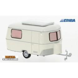 Caravane Eriba blanche en version route (1960)