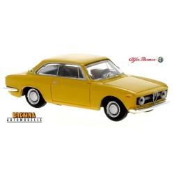 Alfa Romeo Giulia Sprint GT coupé (974) jaune cadmium