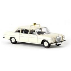 MB 220 D limousine longue (W115) Taxi