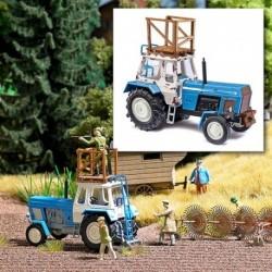 Tracteur agricole Fortschritt ZT 300 & nacelle de chasse