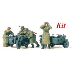 Set de motards poussant leu side-car Zündapp KS 750