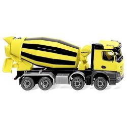 MB Arocs M camion toupie à béton 8x4