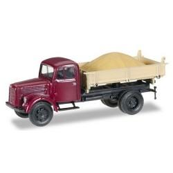 MB L 3000 camion benne avec chargement de sable