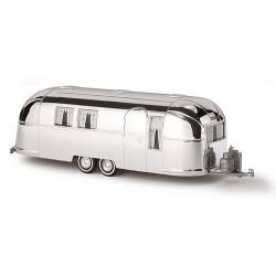 """Caravane américaine """"Airstream"""" (couleur alu chromé)"""